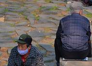 초고령사회 성큼…65세 이상 인구 800만 명 돌파