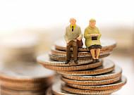 소득 불안에 '부업' 뛰는 60세 이상 20만명 훌쩍 넘어