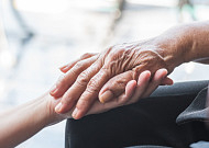 노인장기요양보험 한달 132만 혜택 받는 어르신 11.1% 늘어