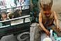 [짤막잇슈] 돼지와 함께 사는 7살난 아이