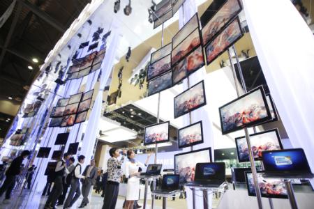 삼성-LG, TV · 휴대폰 '정면 대결' - 이투데이