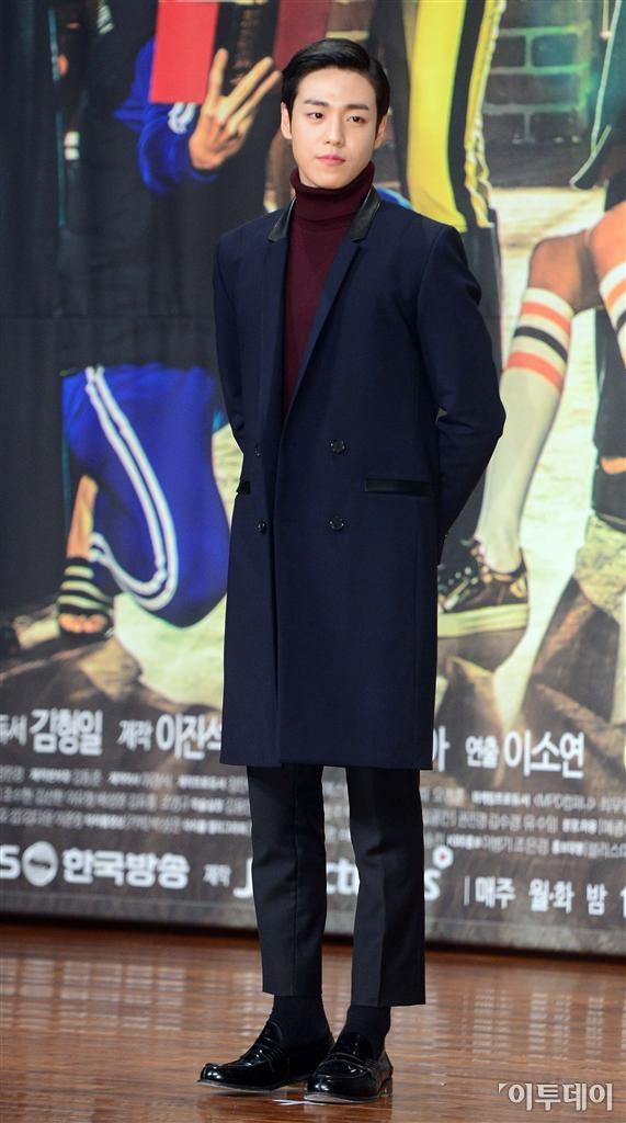 ▲배우 이현우가 6일 오후 여의도동 63빌딩에서 열린 KBS 2TV 월화드라마 '무림학교' 제작발표회에 참석해 포즈를 취하고 있다. (노진환 기자 myfixer@)