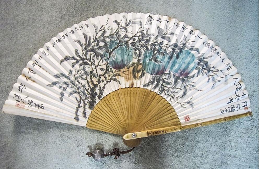 ▲김상옥 <벽도도(碧桃圖)> 합죽선에 채색 32x53cm 1970년.(이재준 미술품 수집가)