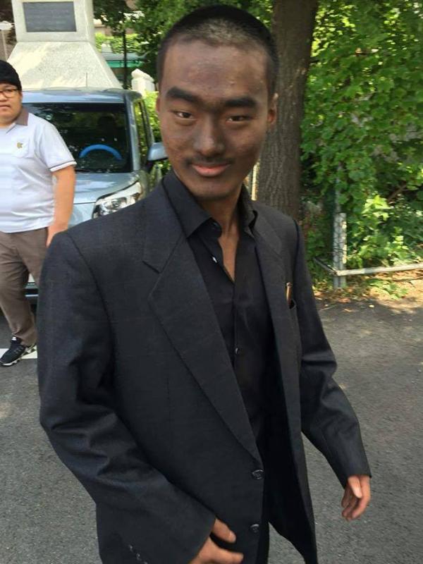 ▲의정부고 졸업사진 샘오취리 패러디(사진=페이스북)