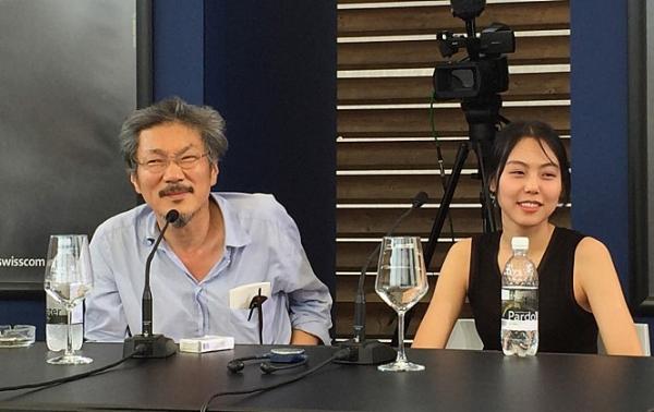 ▲홍상수 감독과 배우 김민희 (사진제공=영화 '지금은맞고그때는틀리다')