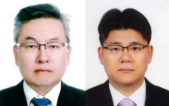 ▲최수영 부사장(왼쪽)과 김호동 이사
