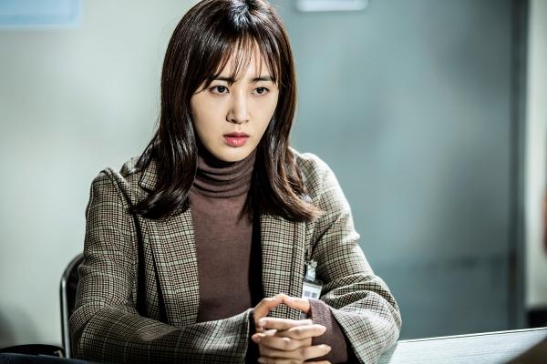 ▲SBS 월화드라마 '피고인' 서은혜 역으로 분한 소녀시대 유리(사진=SBS)