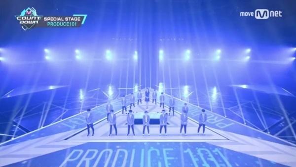 ▲'프로듀스101 시즌2' 주제곡 '나야 나' 무대(사진=Mnet '엠카운트다운')