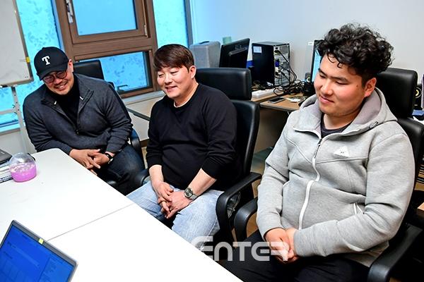 ▲(왼쪽부터)로케니스트 성상배, 김태경, 한하늘(사진=윤예진 기자 yoooon@)