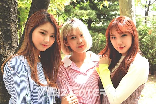 ▲(왼쪽부터) 걸그룹 프리스틴의 나영, 유하, 로아(사진=윤예진 기자 yoooon@)