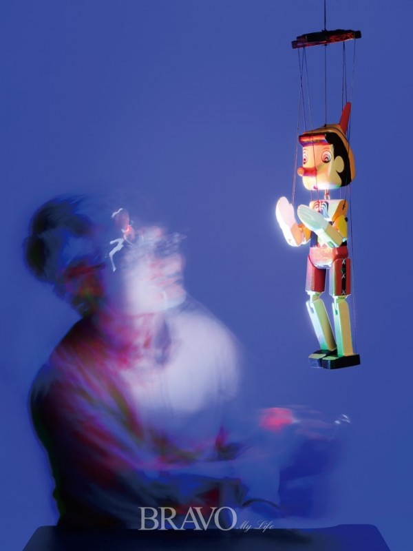 ▲김경수 사진작가는 라이트 페인팅 기법을 사용했을 때 빛에 따라 다양한 감정을 드러낼 수 있다고 설명한다.(김수현 (스튜디오 봄) player0806@hotmail.com)