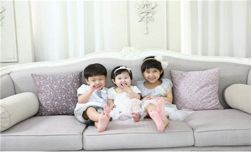 ▲귀염둥이 세 자녀 사진(동년기자 조왕래)