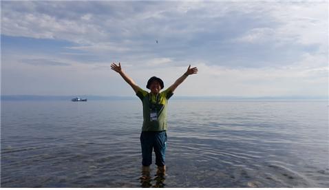 ▲시베리아 한복판 바이칼(Baikal)호수를 다녀오다(김종범 동년기자)