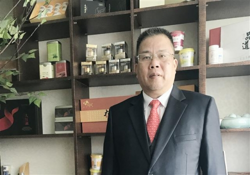 ▲린진성 씨케이에이치 대표가 본지와의 인터뷰에서 다이렉트 마케팅 라이선스 취득과 관련한 사업계획을 설명하고 있다. (사진제공=씨케이에이치)