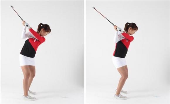 ▲백스윙 시 왼쪽 사진처럼 오른 무릎을 살짝 펴주면 좌우로 밀리지 않고 몸의 회전각이 더 편하고 쉽게 이뤄져 스윙 스피드도 더 많이 나고 정확성 있는 임팩트를 만들 수 있다.