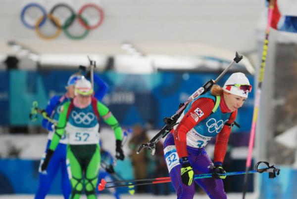 ▲12일 평창 알펜시아 올림픽파크 내 바이애슬론 센터에서 열린 여자 추적 10km 경기에서 한국의 안나 프롤리나가 슈팅 레인지에 들어오고 있다.(연합뉴스)