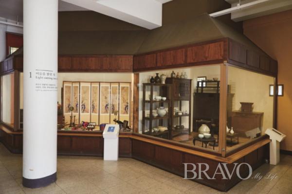▲등잔의 용도를 쉽게 이해할 수 있는 1층 박물관.(사진 박규민 parkkyumin@gmail.com)