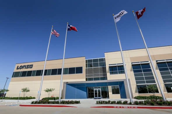 ▲스위스 기업 론자(Lonza)가 10일 미국 휴스턴 지역에서 세계 최대 규모의 유전자 세포 치료제 생산시설의 개소식을 가졌다.