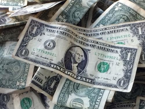 ▲15일(현지시간) 미국 국채 10년물 금리가 3.091%까지 치솟으면서 뉴욕증시가 하락하는 등 금융시장에 긴장감이 맴돌고 있다. AP뉴시스