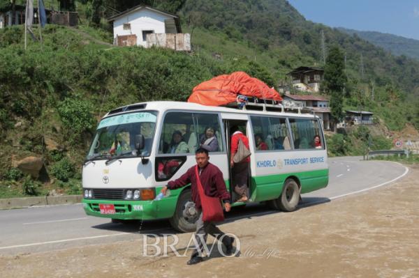 ▲부탄의 대중교통수단인 버스