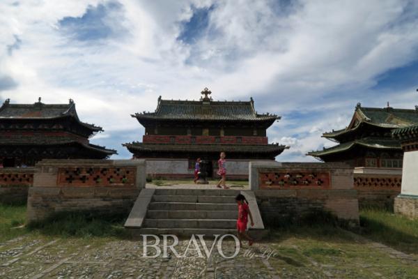 ▲몽골 최초의 불교 사원 에르덴조(이화자 작가 제공)