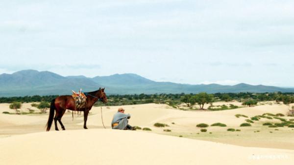 ▲엘승타사르해 미니 사막(사진제공 몽골리아세븐데이즈)