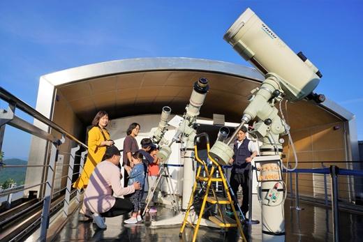 ▲다양한 망원경을 갖춘 송암스페이스센터 갈릴레이관(사진제공=한국관광공사)