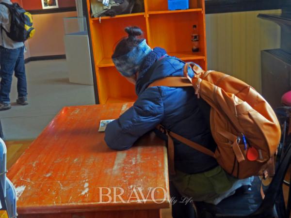 ▲ 세계로 우편을 실어 나르는 핀델문도박물관의 파란우체통(이화자 작가 제공)