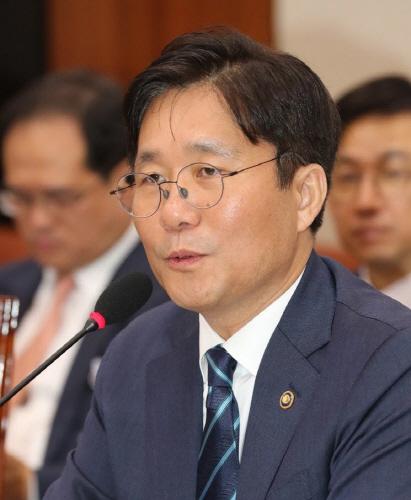 ▲21일 취임한 성윤모 신임 산업통상자원부 장관.(연합뉴스)
