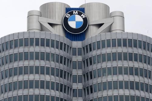 ▲독일 뮌헨 BMW 본사. 23일(현지시간) BMW는 차량 냉각수 유출로 화재 발생 가능성이 있다며 전 세계서 디젤 엔진 차량 160만 대를 추가 리콜하기로 했다. 이는 앞서 한국에서의 화재 발생에 따른 것이다. 뮌헨/AP연합뉴스