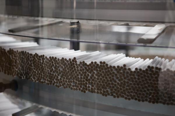 ▲히츠 담배가 제조 및 포장 공정을 위해 토바코 로드로 넘어가는 모습 (사진제공=한국필립모리스)