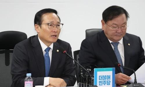 ▲(왼쪽)홍영표 더불어민주당 원내대표·김태년 정책위의장. (사진=연합뉴스)