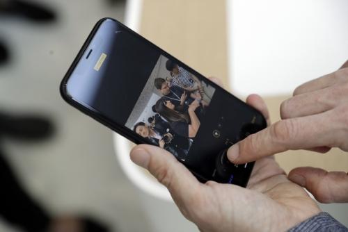 애플 '아이폰XR', 실패작으로 끝나나…일본서 실질적 가격 인하