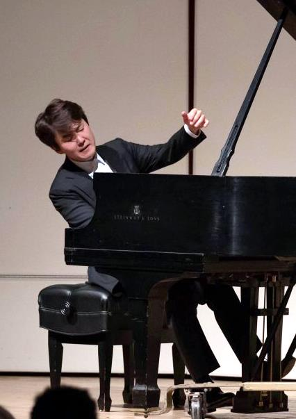 ▲조성진은 2015년 한국인 최초로 제17회 쇼팽 국제 피아노 콩쿠르 1위를 차지했다. 그는 앞서 2009년 하마마쓰 콩쿠르에서 역대 최연소 우승을 하며 병역특례 대상자가 됐다. (연합뉴스)