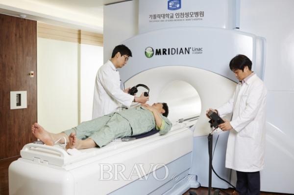 ▲인천성모병원이 국내에서 처음으로 도입한 암 치료기 메르디안 라이낙.(인천성모병원)