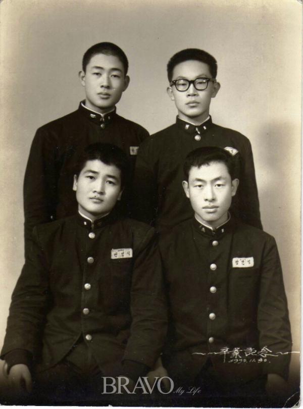 ▲1970년 교복을 입고 찍은 사진.(강신영 동년기자)