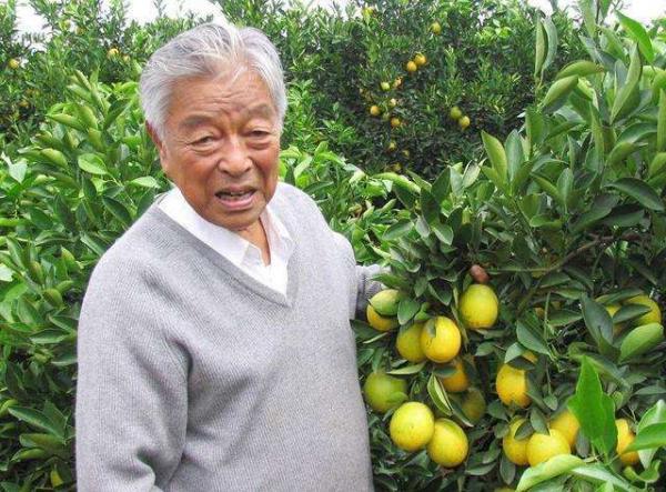 ▲추스젠은 시련과 고난을 딛고 중국의 대표적 기업인으로 우뚝 섰다. 그는 목숨을 건 듯 땅에 땀을 흘렸고, 땅은 그 땀을 보람으로 갚아주었다.