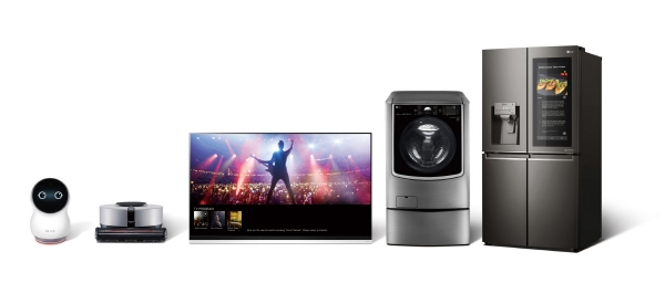 ▲LG전자는 CES 2019에서 'LG 씽큐 AI 존'을 대거 구성해 새로워진 LG 씽큐를 선보일 예정이다. 사진은 LG 씽큐 제품 라인업. 사진제공 LG전자