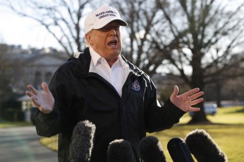 ▲10일(현지시간) 도널드 트럼프 미국 대통령이 백악관에서 기자들과 만나 질문에 답하고 있다. AP연합뉴스