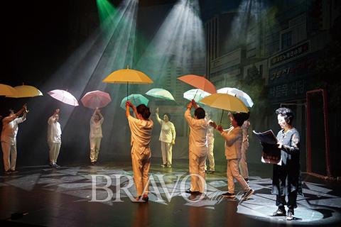 ▲ 제1회 생활연극축제 '구루지 노래방 콩쿠르' (느티나무 은빛극단 제공)