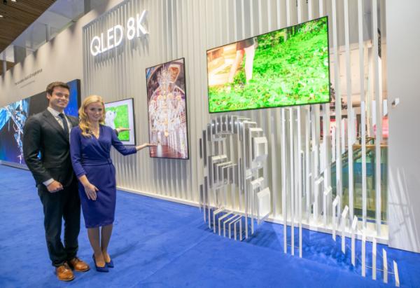 ▲삼성전자가 2월에 열린 유럽 디스플레이 전시회 'ISE 2019'에 참가해 선보였던 'QLED 8K 사이니지' (사진제공=삼성전자)