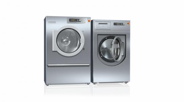 ▲밀레가 오는 13일부터 15일까지 코엑스에서 개최되는 '호텔페어 2019'에 참가해 높은 품질과 내구성을 갖춘 상업용 드럼세탁기와 의류건조기를 선보이며 국내 상업용 세탁 장비 시장에 진출한다. 밀레 상업용 드럼세탁기 및 의류건조기.(사진제공 밀레)