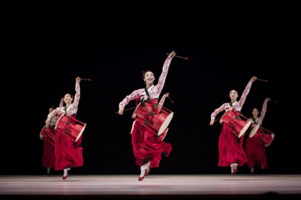 ▲국립국악원 무용단의 장구춤.(사진제공=국립국악원)