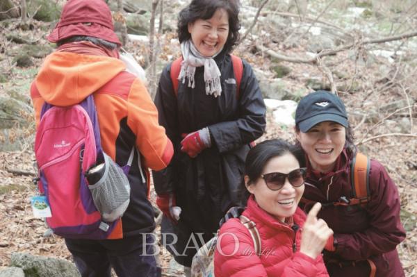 ▲신나는도보여행의 신입회원들.(권지현 기자 9090ji@etoday.co.kr)