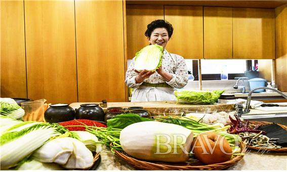 ▲ 김치 명인 이하연 선생은 대한민국 식품명인 제58호다.(사진=이현숙 동년기자 )