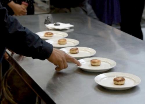 ▲미국 핀레스푸드가 만든 인공 식용참치. 사진제공 핀레스푸드