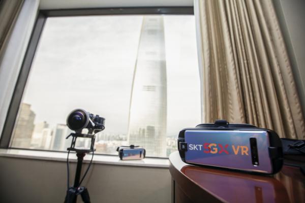 ▲5G VR 생중계를 위한 360도 특수카메라 및 VR기기. (SK텔레콤)