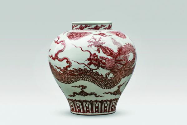 ▲탕 컨템포러리 아트. AI Weiwei Dragon Vase 2017, Porcelain, 52 × 51 × 51 cm.