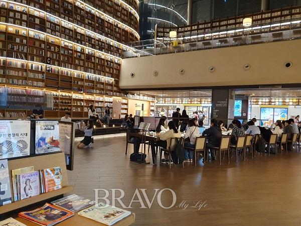 ▲별마당 도서관 전경(박종섭 동년기자)