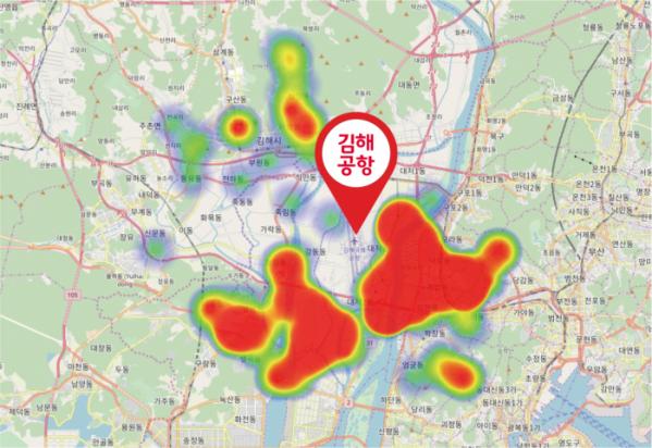 ▲지난 5개월간 김해공항 주변 드론 비행 경로를 나타내는 히팅맵 (비행이 빈번한 지역이 적색으로 표시)(사진제공= SK텔레콤)